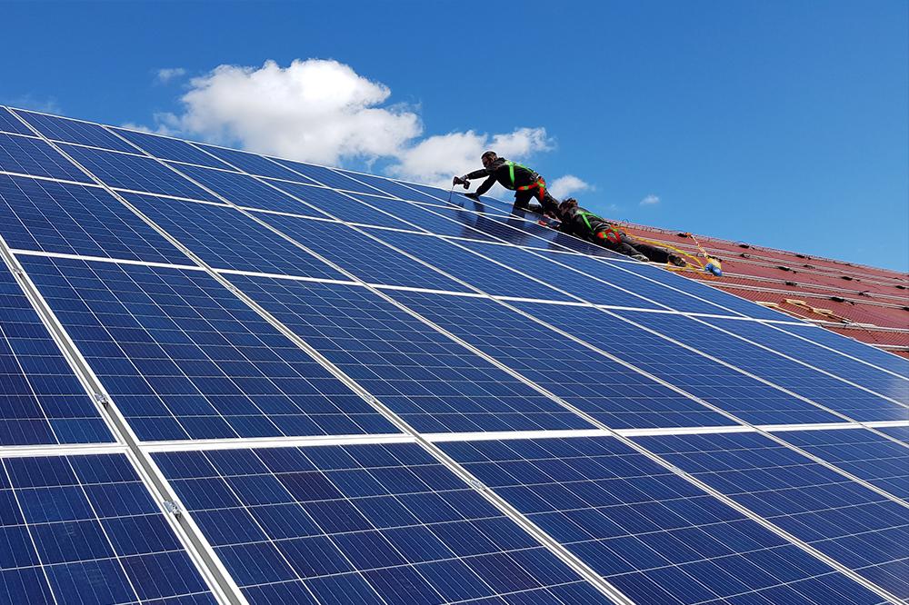Solceller installation tak
