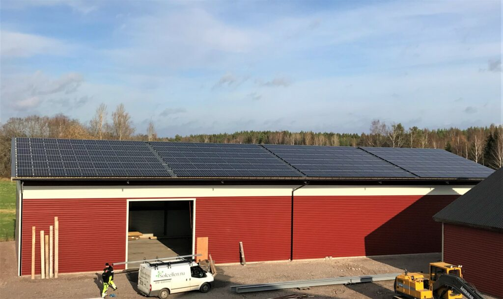 Solceller på lagerbyggnad